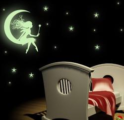 Samolepka na zeď SVÍTÍCÍ Víla na měsíčku + hvězdy