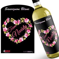 Víno Team nevěsty – srdce z květin