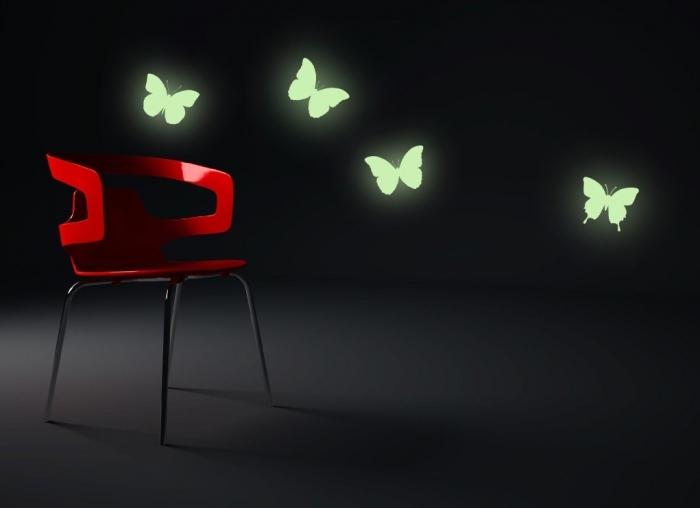 IMPAR Samolepka na zeď SVÍTÍCÍ Motýlci